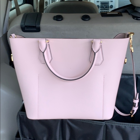 Michael Kors Handbags - Brand new with tags Michael Kors pale pink bag